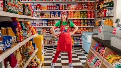 """كيف باعت الفنانة """"لوسي سبارو"""" سلعها الغذائية غير الصالحة للأكل؟"""