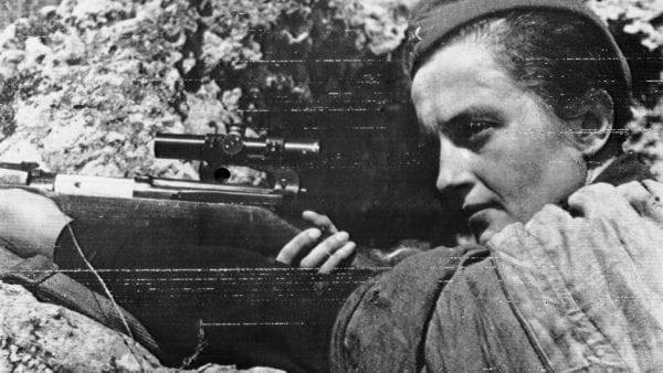 لودميلا.. قناصة شابة أنهت حياة 309 نازيا في الحرب العالمية الثانية