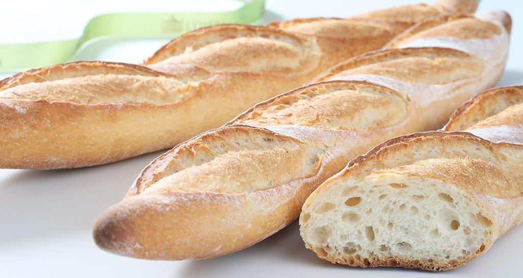 طريقة عمل الخبز الفرنسي الأشهر.. الباجيت