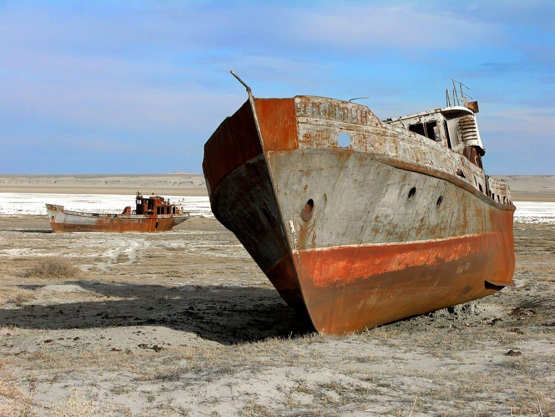 """بحر آرال الذي حوله """"جفاف العقل البشري"""" إلى صحراء"""