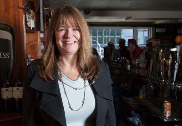 بيتي آن ووترز..الأخت التي أنقذت شقيقها من السجن المؤبد