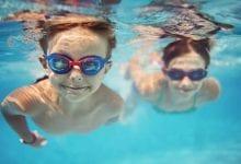 فوائد بدنية وعقلية لممارسة السباحة