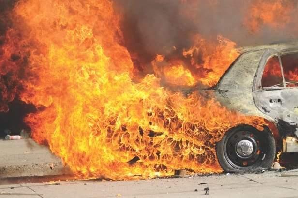 تساؤل مخيف.. هل تنفجر السيارة الممتلئة بالوقود في يوم حار؟