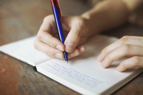 5 فوائد مهمة لاقتناء مفكرة