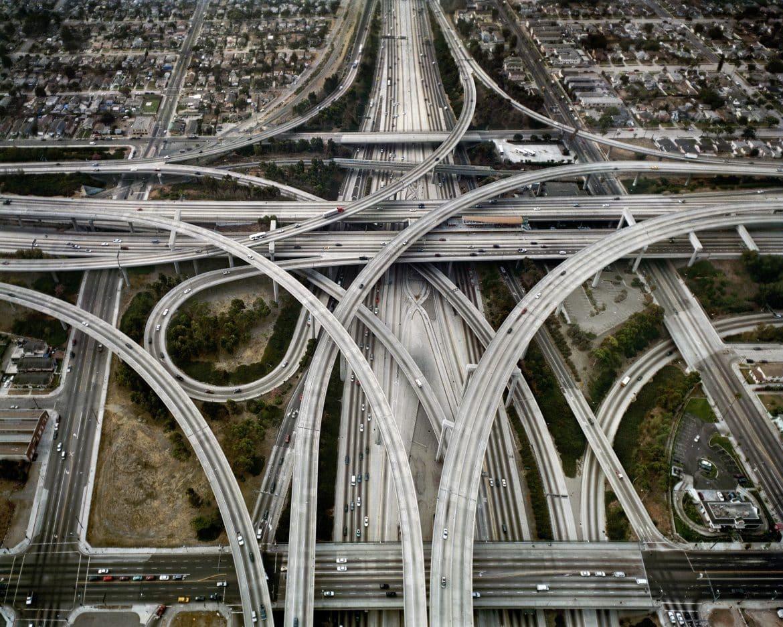 أغرب الطرق والشوارع حول العالم