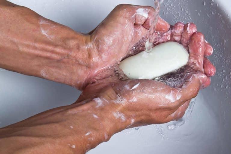 كيف نغسل أيدينا بطريقة صحيحة وصحية؟