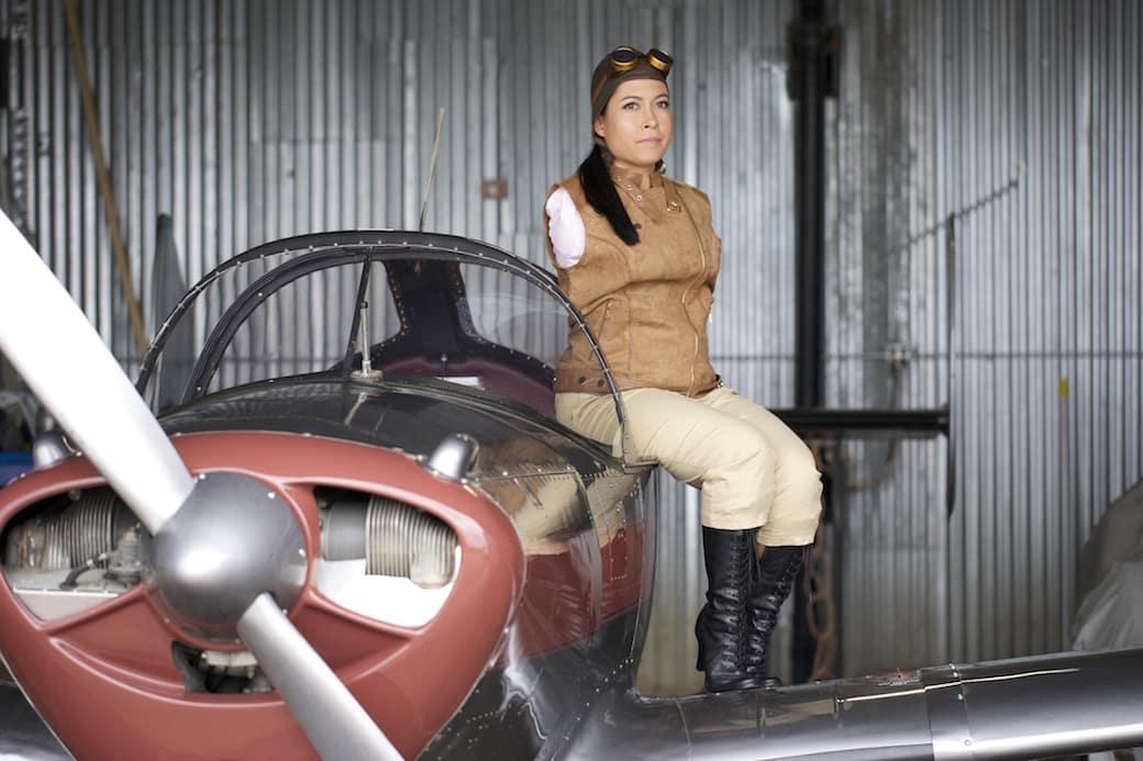 جيسيكا كوكس.. بطلة تايكواندو وأول طيار بلا ذراعين!