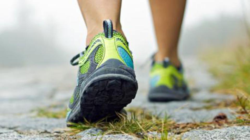 الركض أم المشي.. أيهما أفضل لإنقاص الوزن؟