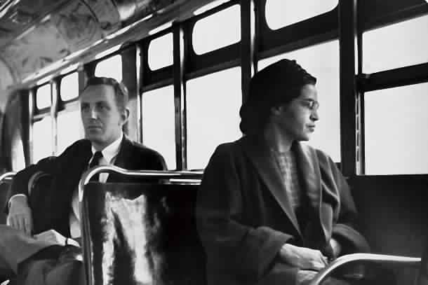 روزا باركس.. المرأة التي تمسكت بمقعدها في الحافلة فدخلت التاريخ