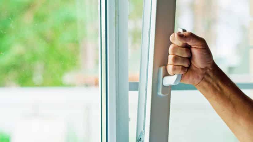 دراسة أمريكية: النوافذ المغلقة تسبب الأمراض