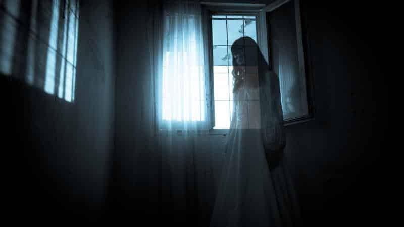 ظاهرة مرعبة: شبح يأكل جسد امرأة!