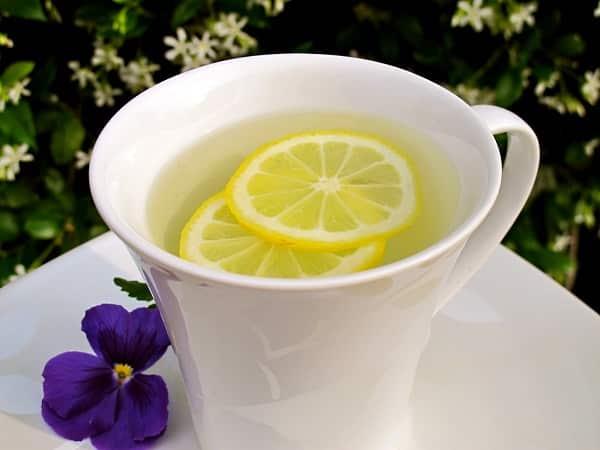 فوائد رهيبة لشرب الماء بالليمون على الريق صباحا
