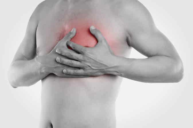 أسباب آلام الجانب الأيسر من الصدر