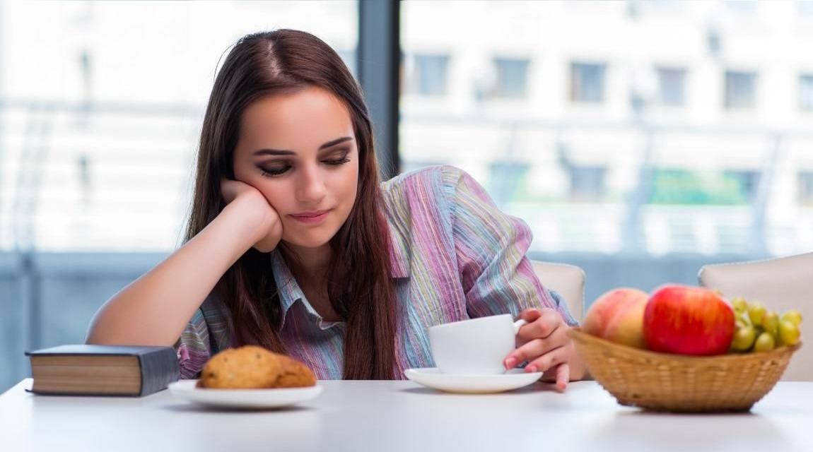 6 أطعمة شائعة بوجبة الإفطار تسبب الكسل