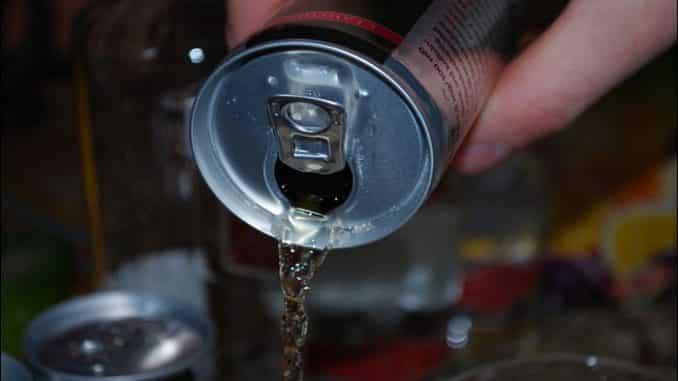 تحذير.. مشروبات الطاقة يمكنها أن تضر بالقلب والأوعية الدموية