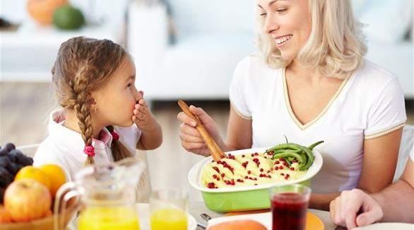 أفكار بسيطة لوجبات صحية وخفيفة للأطفال في المنزل
