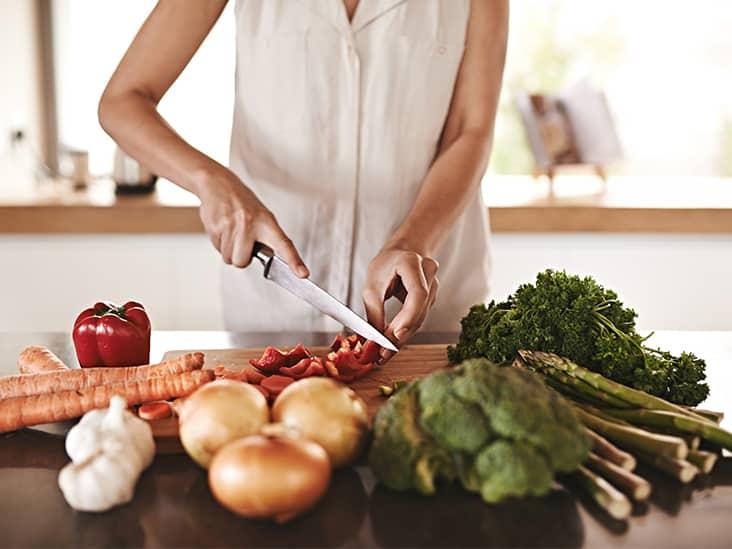 أكلات الاستروجين للمرأة.. بين الفوائد الهرمونية والمخاطر الصحية