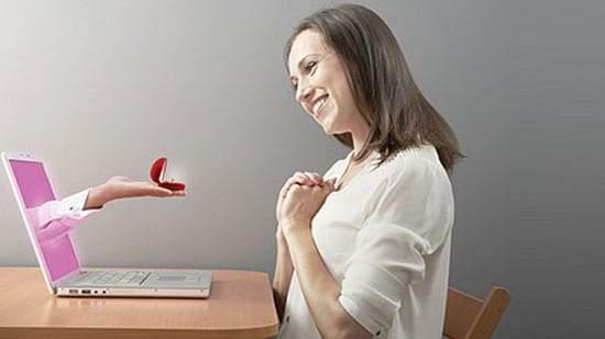 الحب عبر الإنترنت بين الحقيقة والسراب!