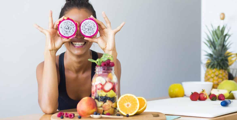 أطعمة تحسن المزاج وتشعرك بالسعادة!
