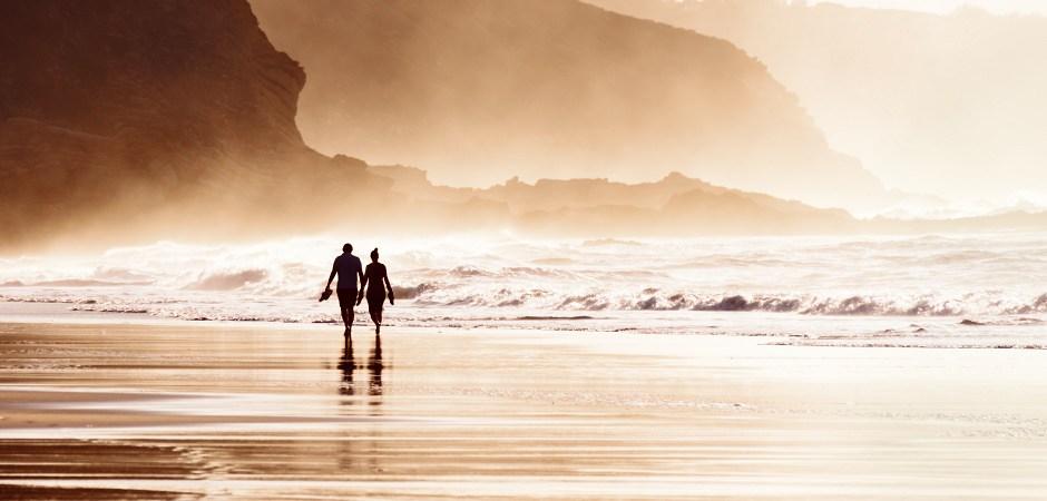 العلم يحدد فارق السن المثالي لزواج ناجح