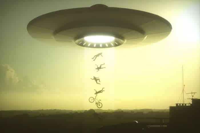 أغرب 5 قصص اختطاف بواسطة فضائيين