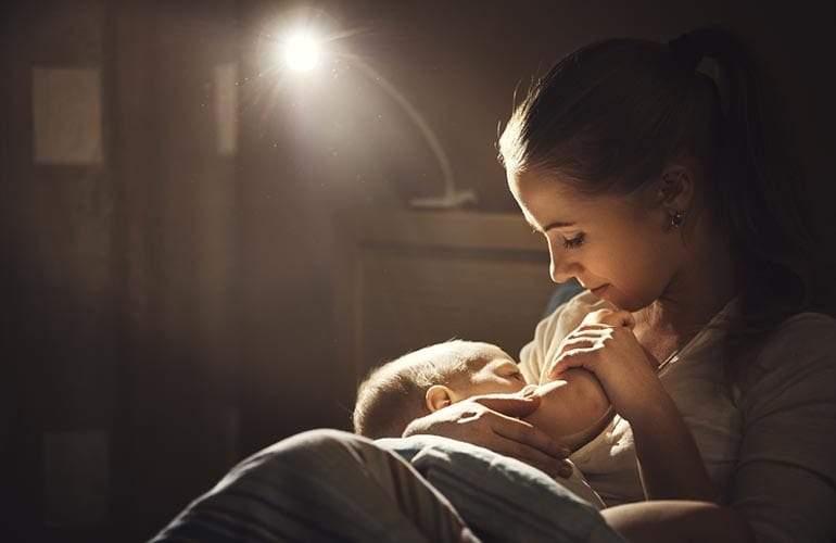 9 نصائح ذهبية تساعد الأمهات على فهم الطفل الرضيع