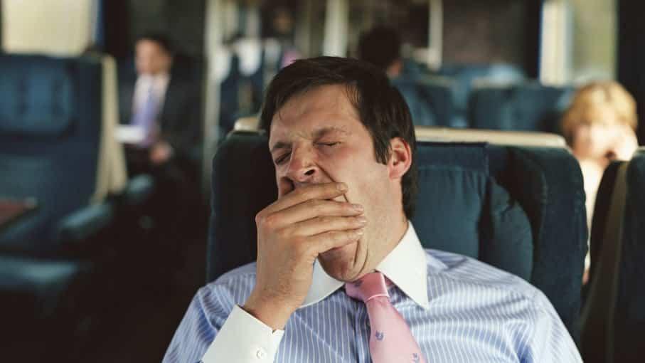 5 أخطاء شائعة تحرمك من النوم العميق