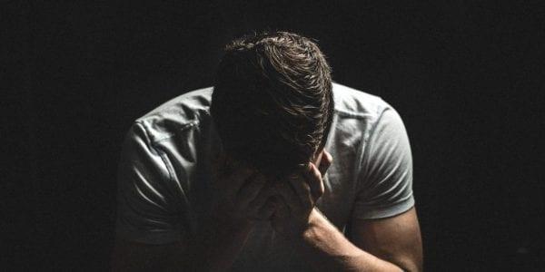 عقوق الوالدين و6 أفعال تسبب الندم في الأربعين