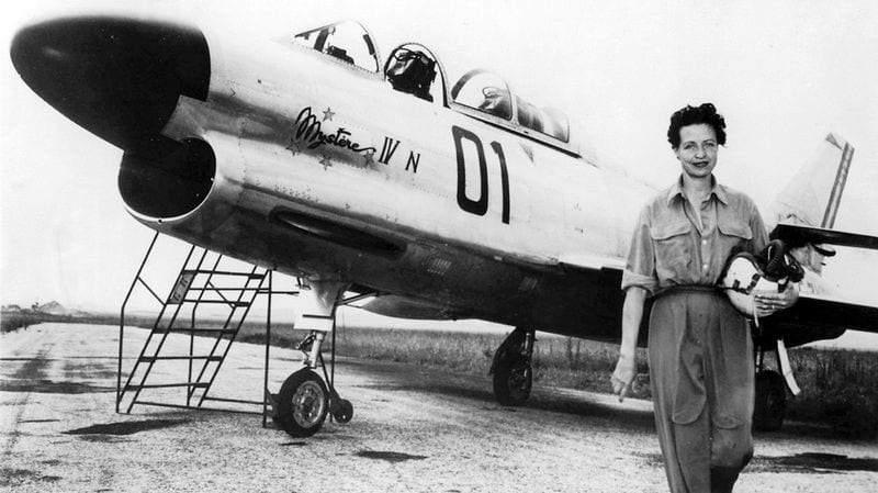 جاكلين أوريول.. امرأة حققت معجزات في الطيران