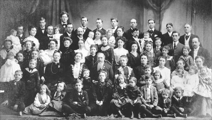 فالنتينا فاسيليفا.. امرأة روسية أنجبت 69 طفلا!