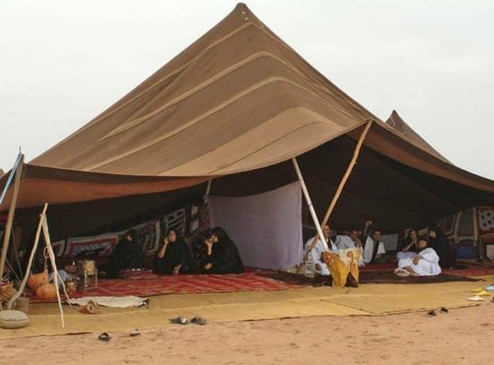"""""""المشتى"""" و""""الخربوش"""".. بيوت البدوي في الصحراء"""
