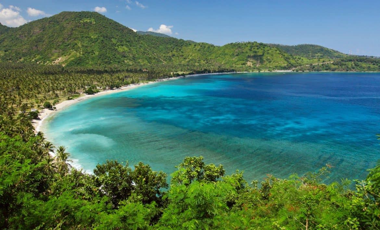 """""""جزر لومبوك"""".. معالم تلخص جمال الطبيعة"""