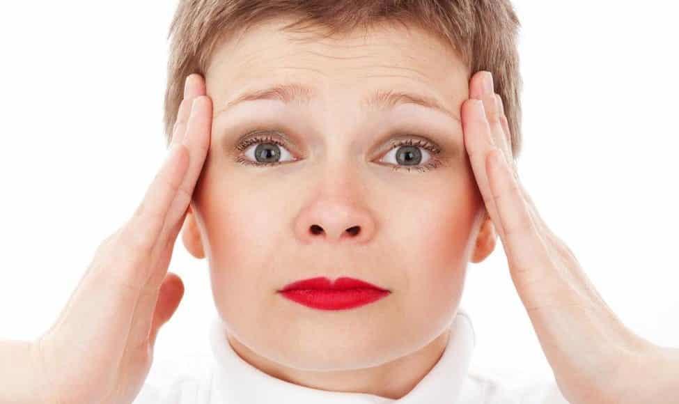 الصداع النصفي وجفاف العين.. كيف ربط الباحثون بين الأزمتين؟