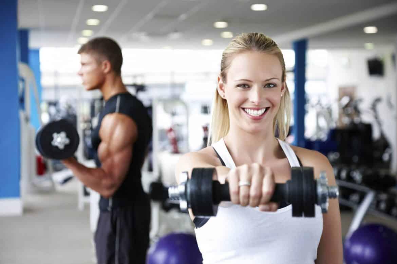 بعيدًا عن بناء العضلات.. 6 نتائج لرياضة رفع الأوزان