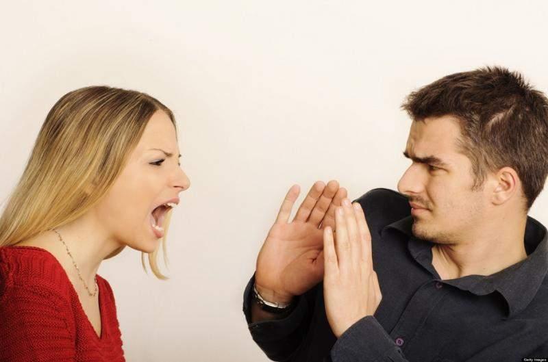 غيرة المرأة المفرطة.. الأسباب وطرق العلاج