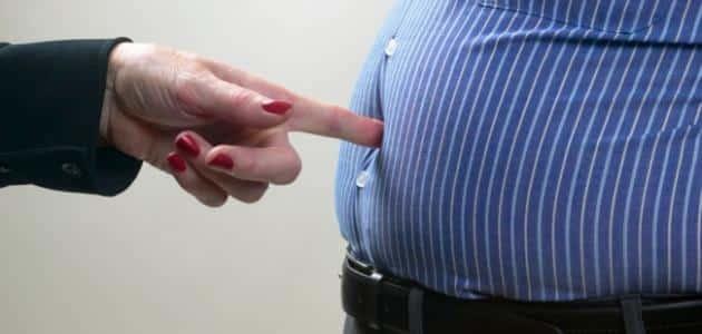 4 أطعمة تسبب دهون البطن
