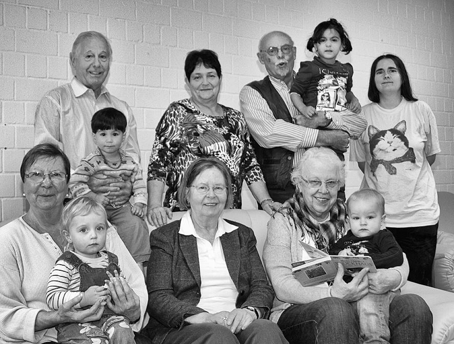 حقيقة صورة.. دار لرعاية المسنين والأيتام في وقت واحد في كندا؟!