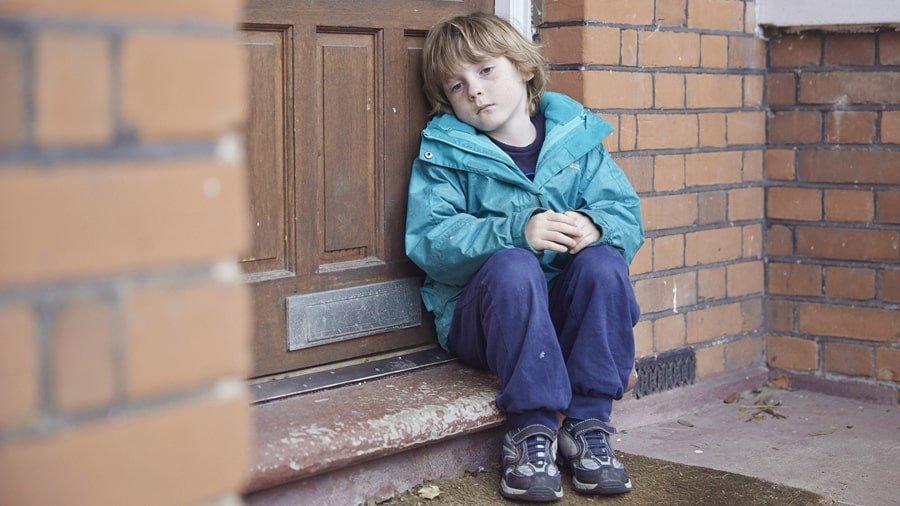 6 سلوكيات للأباء تساهم في تدمير الأبناء نفسيا