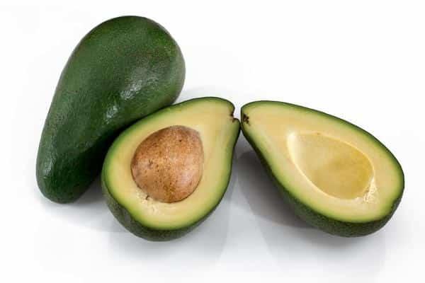4 أطعمة تحارب الكوليسترول الضار