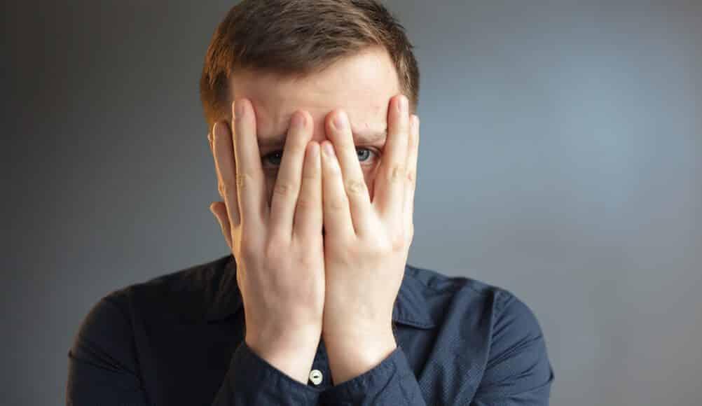3 سلوكيات خطيرة تؤدي إلى المرض النفسي وأحيانًا العقلي