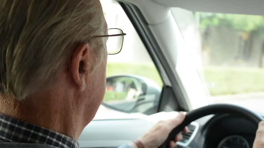 الشعور بالوحدة وقيادة السيارات.. علاقة مثيرة يكشفها العلم
