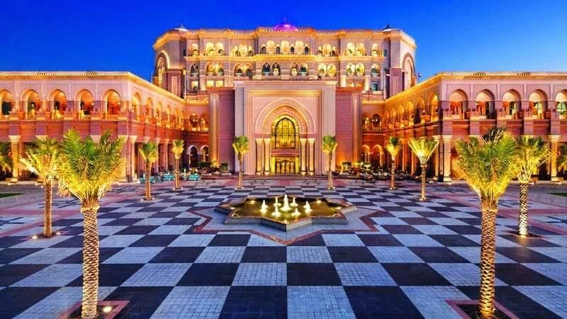 أفضل 8 أماكن سياحية في أبوظبي 1