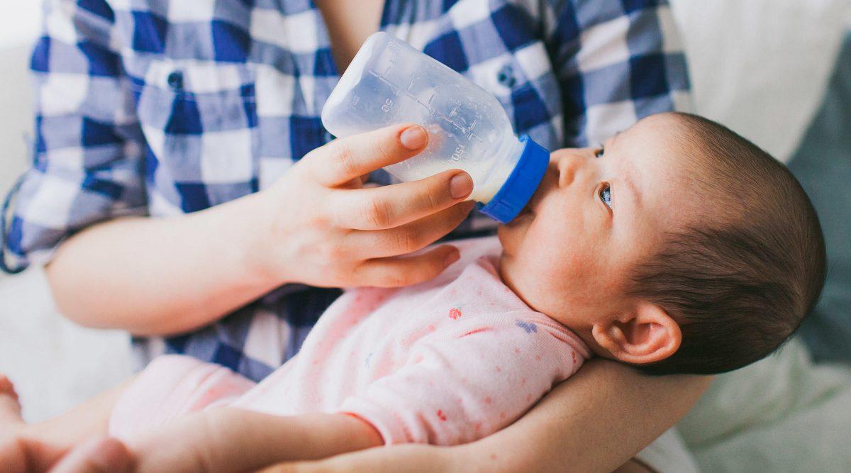 أخطاء شائعة ترتكبها الأمهات الصغيرات