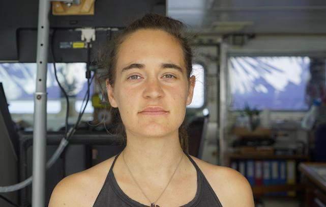 كارولا ريكيت.. أنقذت عشرات المهاجرين من الغرق فأودعت بالسجن