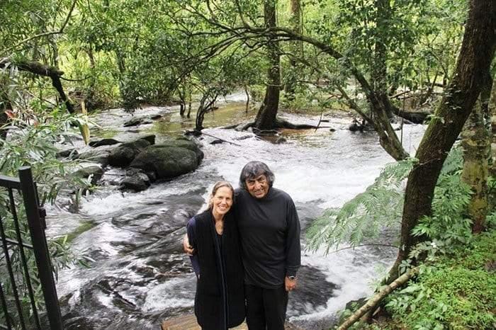 كيف حول زوجان أرض مهملة لمحمية طبيعية؟