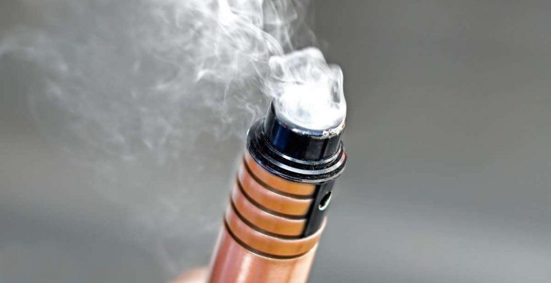 السجائر الإلكترونية خطر يهدد الصحة من الاستخدام الأول
