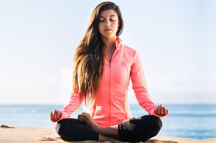 تمارين بسيطة من اليوغا تسهل مشاقات الحياة