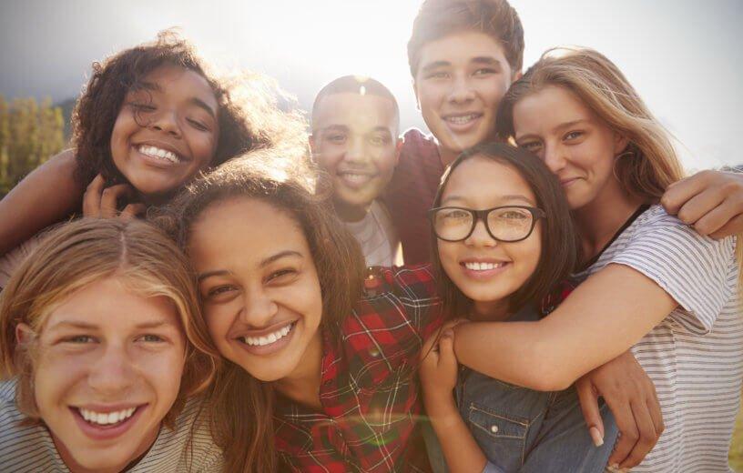 المراهقين والحب.. علاقة صحية مفيدة أم العكس؟