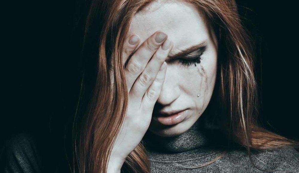 العلاقة بين اضطراب ما بعد الصدمة وسرطان المبيض لدى النساء