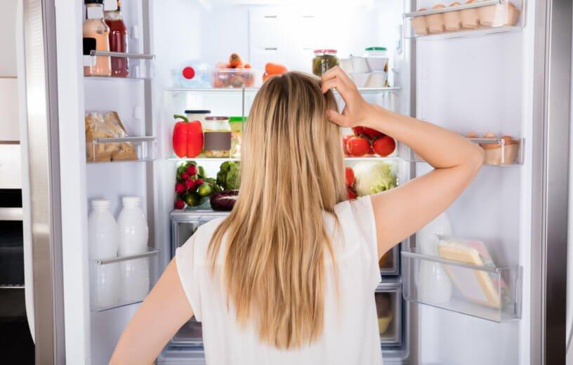 العلاقة بين النوم والاحساس الدائم بالجوع